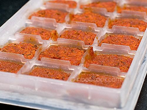 Frozen pasta sauce cubes