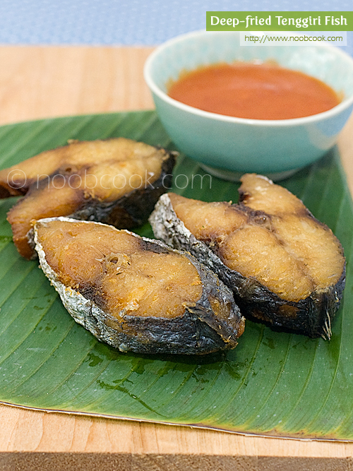 Deep fried Tenggiri Fish