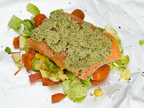 Baked Salmon with Pesto (making of)