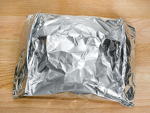 How to wrap food in aluminium foil
