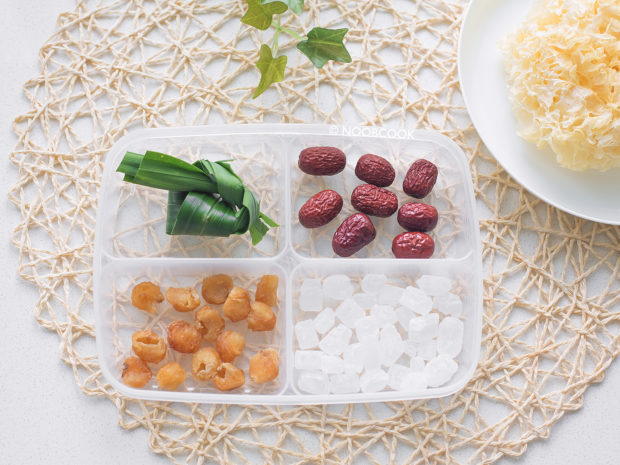 Snow Fungus Soup (Ingredients)