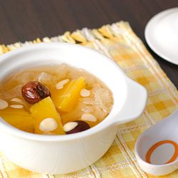 Papaya, Snow Fungus and Almonds Soup Recipe