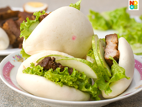Kong Bak Pau (Chinese Braised Pork Burgers) Recipe