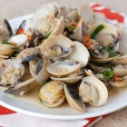 Chinese-Style Clams