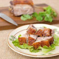 Crispy roast pork (siu yuk)