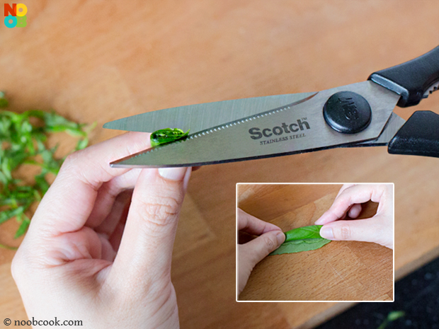 How to cut basil