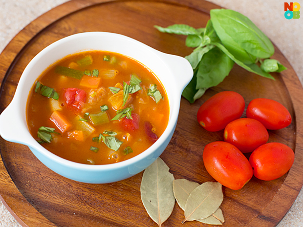 30-minute Meatless Minestrone Soup