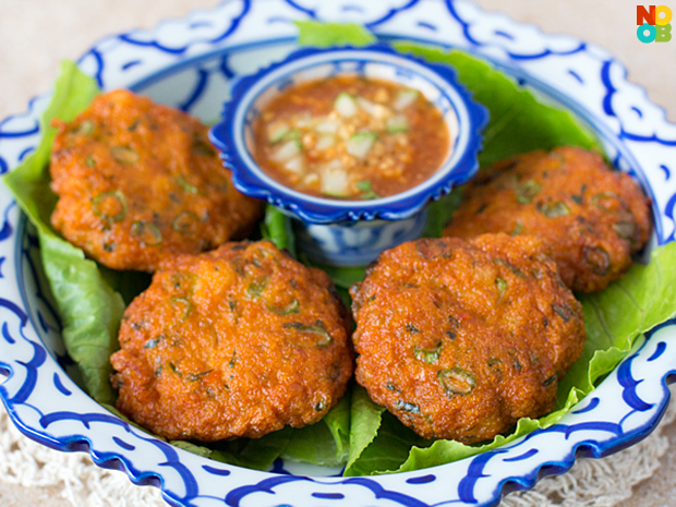 how to make authentic thai fish cakes