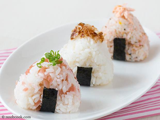 Onigiri (Japanese Rice Balls) Recipe | NoobCook.com