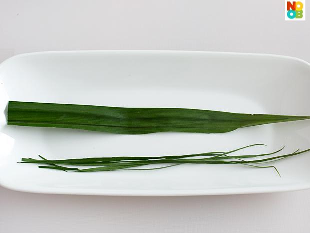Pandan (screw pine leaves) for folding wontons