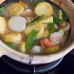 Claypot Tofu with Seafood Recipe