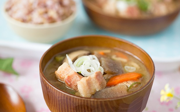 Tonjiru Recipe (Japanese Pork Soup)