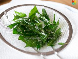 Crispy Curry Leaves