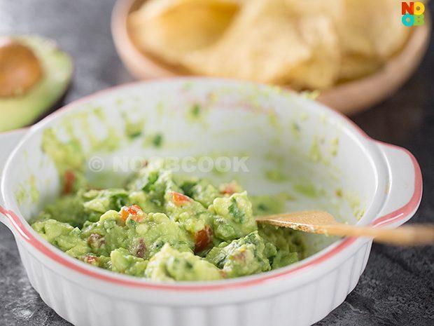 Guacamole Recipe (Avocado Dip)