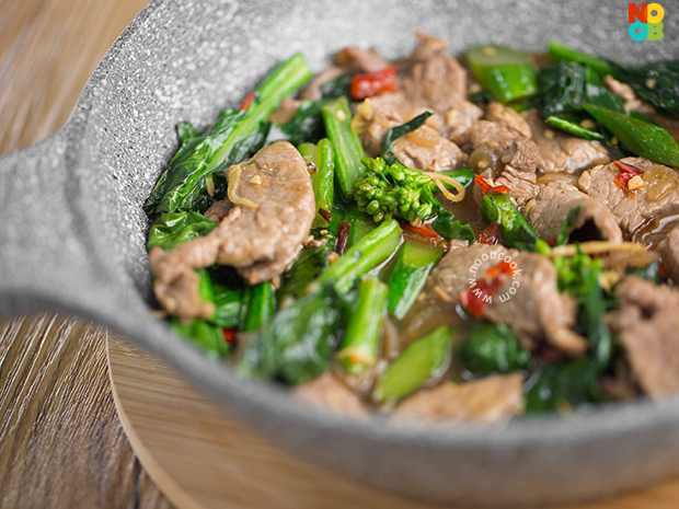 Stir-fry Beef with Chinese Broccoli Recipe