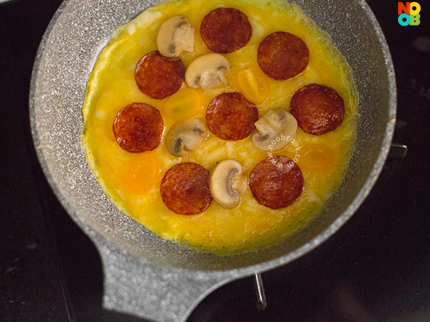 "Pepperoni ""Pizza"" Omelette (Step-by-Step Photos)"