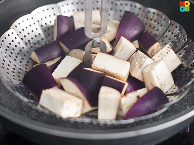 How to Cook Eggplants (Steaming Method)