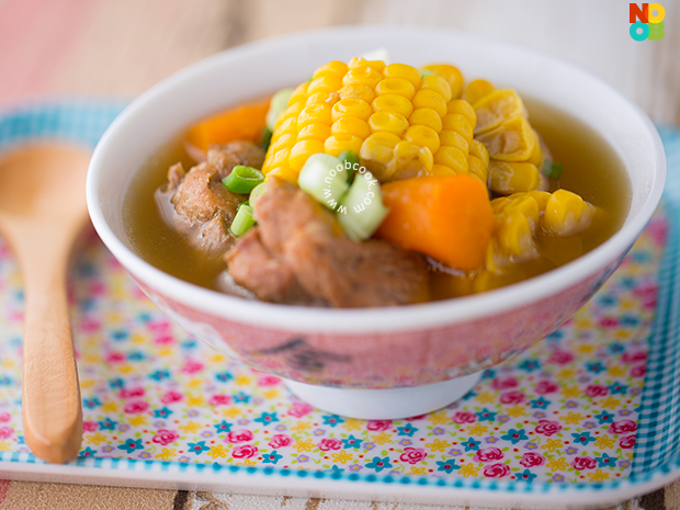 Chinese Sweet Corn Pork Ribs Soup