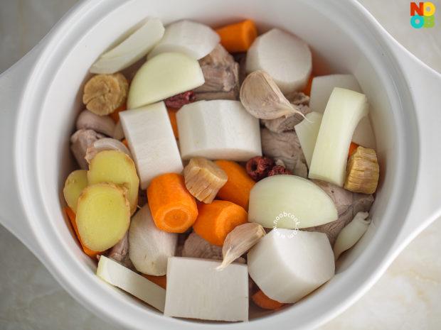 Carrot & Daikon Pork Ribs Soup Recipe
