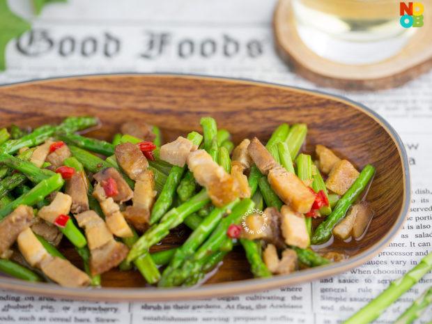Stir-fry Asparagus Roast Pork Recipe
