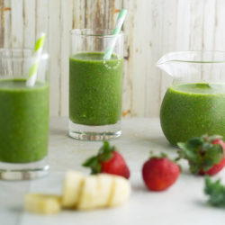 Kale, Banana & Strawberry Smoothie Recipe