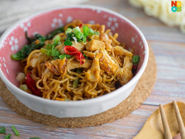 Stirfry Instant Noodles (Leftover Chicken) Recipe