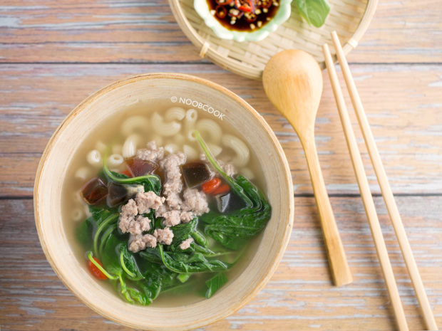 Chinese Spinach Macaroni Soup Recipe