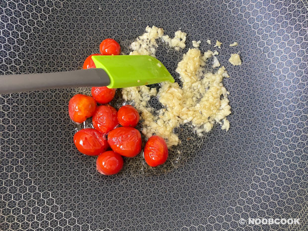 Crab Tomato Spaghetti Recipe (Step 2)
