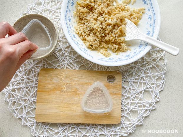 Onigiri Mold Step-by Step